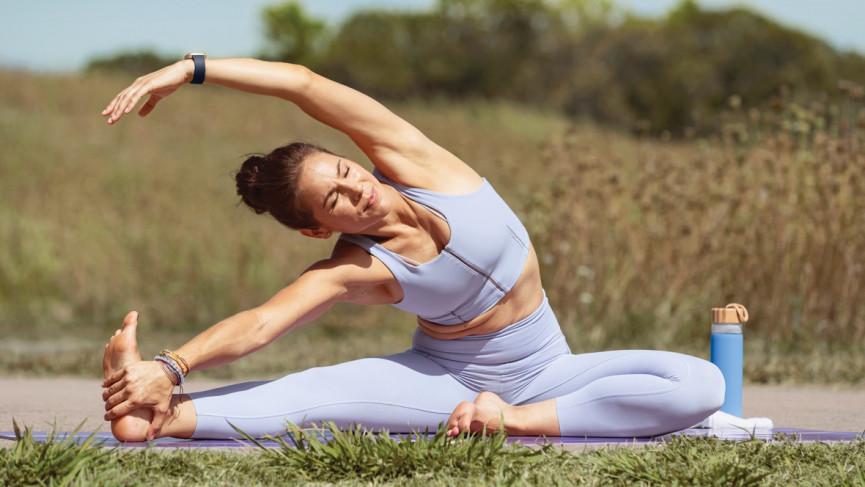 Fitbit Versa Press Image Yoga