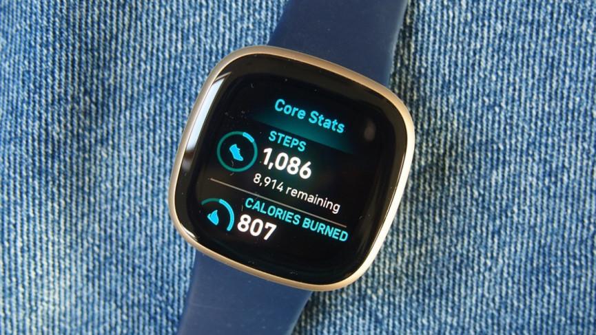Fitbit Versa 3 mostrando datos diarios