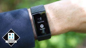 Revisión de Fitbit Charge 4: un poderoso rastreador de ejercicios con un problema