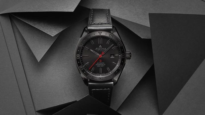 Alpina Shadow Line es una colección híbrida que pone inteligencia en la correa del reloj