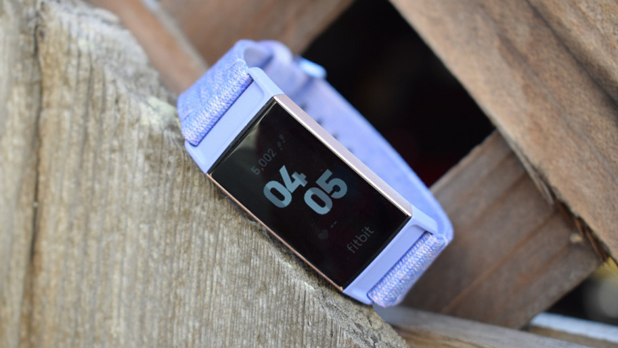 Fitbit Versa Lite Edition v Fitbit Charge 3: Fitbit Face-off asequible