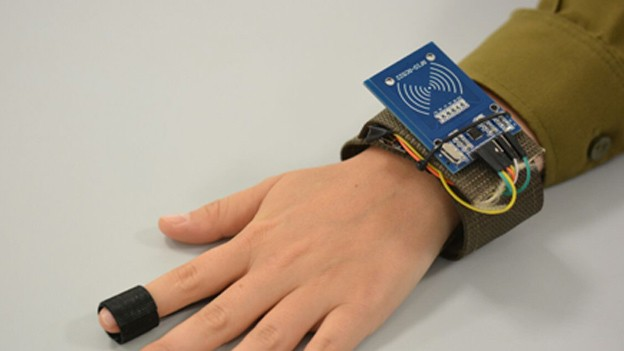 Relojes inteligentes para soldados: este wearable monitorea los signos vitales de los heridos