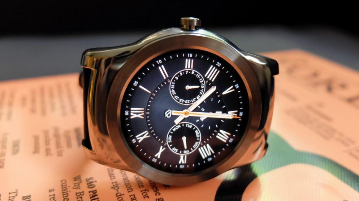 LG Watch Urbane frente a Apple Watch