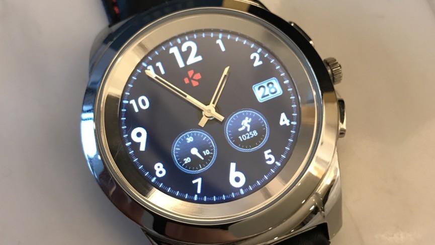 MyKronoz ZeTime es un reloj inteligente híbrido que hace las cosas de manera un poco diferente