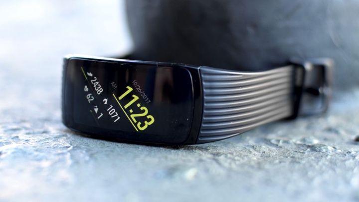 El mejor rastreador de fitness de Samsung: Samsung Gear Fit2 Pro